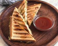 Cheesy Grilled Sandwich With Smoked Chicken Recipe