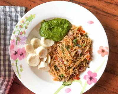 Breakfast Meal Plate: Chettinad Style Tomato Vermicelli Upma And Chutney