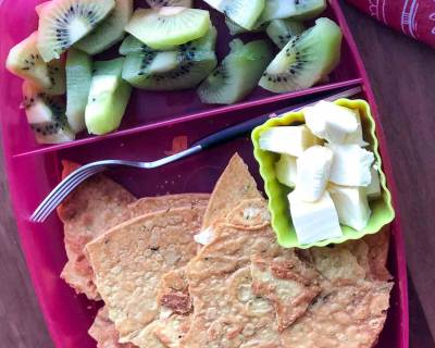 Kids Snacks Box: Methi Khakhra, Kiwi and Cheese Cubes