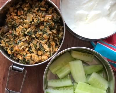 Lunch Box Recipes: Spinach Rice, Curd and Cucumber