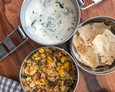Lunch Box Ideas: Sweet Corn, Methi & Tomato Rice, Palak Raita And Papad