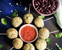 Healthy Veg Lollipop Recipe With Palak & Rajma