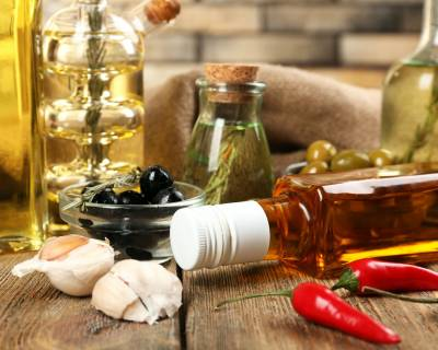 4 Major Types Of Edible Oils & Useful Tips to Choose Them