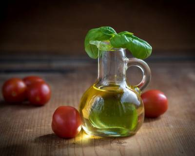 5 Types Of Oils For Your Regular Cooking and Recipes