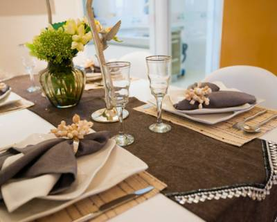 Tips To Organize The Dining Table With Handy Everyday Things