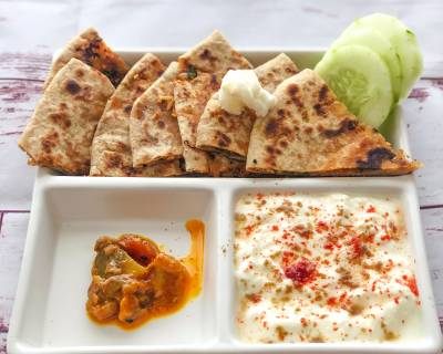 Mouth Watering Paneer Pyaz Paratha With Burani Raita For Your Weekday Breakfast
