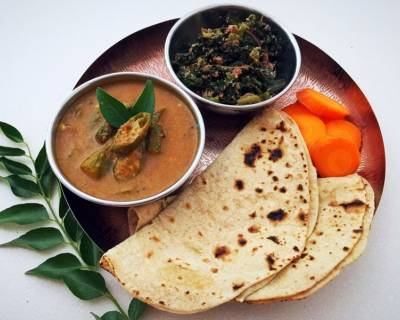 Lunch Meal Plate : Mangalorean Bhende Puli Kodel With Roti And Salad