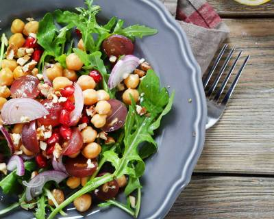 Fresh & Juicy Chickpea Salad with Fruits & Vegetables