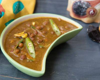 Sweet & Spicy Kadala Curry Recipe With Tamarind and Coconut Milk