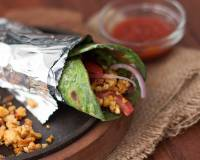 Palak Paneer Kathi Roll Recipe -High Protein Spinach Cottage Cheese Wraps Recipe