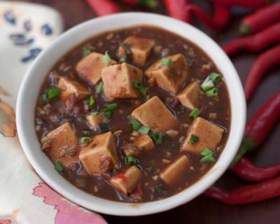Sichuan Style Vegetarian Mapo Doufu ( Tofu In Spicy And Bean Sauce)