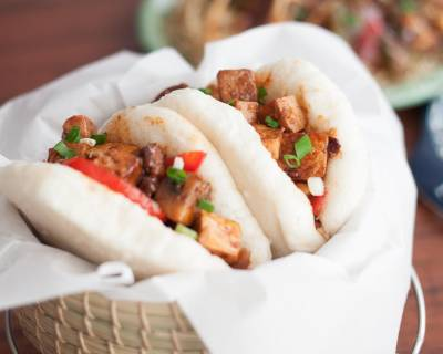 Taiwanese Style Gua Bao Recipe - Steamed Bao Buns With Sweet And Spicy Mushroom & Tofu Recipe
