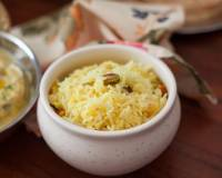 Bengali Holud Mishti Pulao Recipe - Saffron Flavored Rice With Nuts