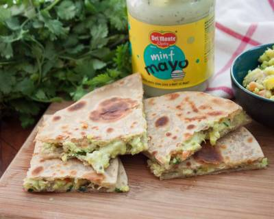 Guacamole Stuffed Quesadilla With Mint Mayo Recipe