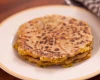 Stuffed Mooli Paratha Recipe (Radish Flat Bread)