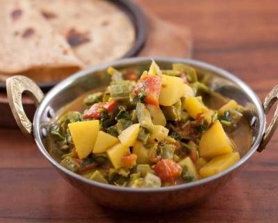 Turai Aloo Ki Sabzi Recipe - Ridge Gourd Potato Curry
