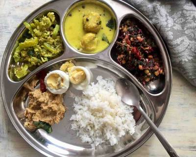Portion Control Meal Plate: Pudalangai Poriyal, Mor Kuzhambu, Keerai Masiyal, Thogayal & More