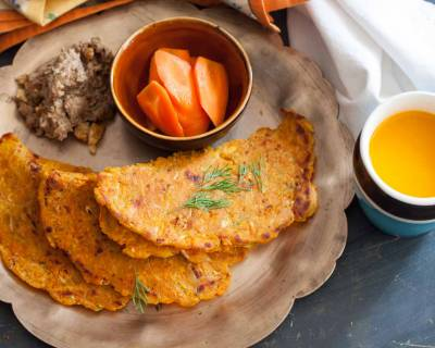Breakfast Meal Plate:Carrot and Cucumber Thalipeeth,Ginger Walnut Chutney & Alsande Vada