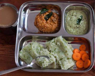 Breakfast Meal Plate: Mangalore Style Southe Gatti, Coconut Chutney And Tomato Chutney