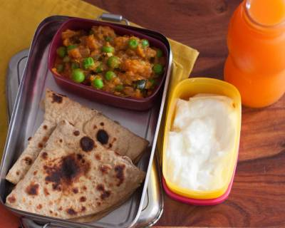 Kids Lunch Box :Matar Masala, Dashmi Roti, Curd & Carrot Juice
