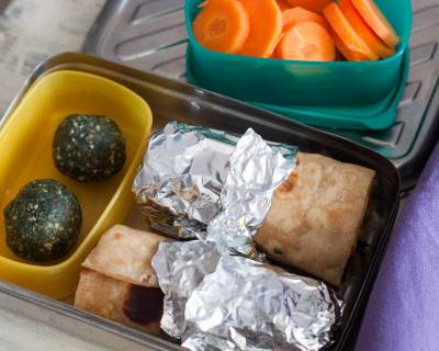 Kids Lunch Box Ideas: Chana Chaat Frankie with Spirulina energy bite