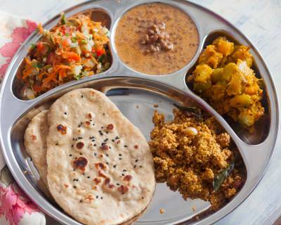 Portion Control Meal Plate : Horse Gram Curry,Tangy Pumpkin Sabzi, Naan & Salad