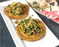 Bhakri Chaat Recipe With Green Moong Sprouts And Aloo