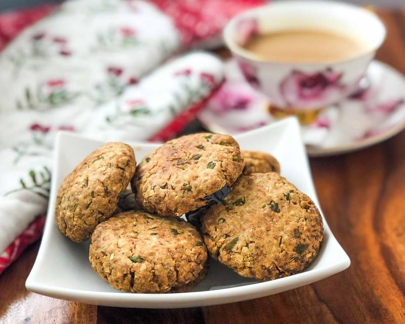 Iyengar Style Whole Wheat & Oats Khara Biscuit Recipe (Savory Cookie Recipe)