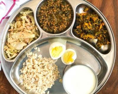 Portion Control Meal Plate:Cabbage Poriyal, Drumstick Horse Gram Kuzhambu, Pavakkai Poriyal, Brown Rice & Boiled Egg