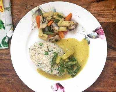 Thai Dinner Plate with Thai Yellow Curry with Herbed Rice & Steamed Vegetables
