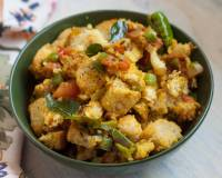 Spicy And Tangy Bread Upma Recipe