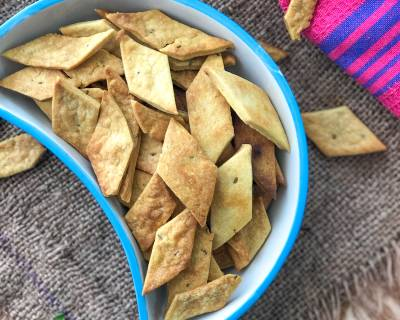 Baked Masala Namak Para Recipe - Carom Seeds Spiced Biscuits