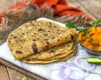Cabbage Carrot Onion Pudina Thepla Recipe