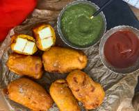 Crispy Paneer Pakora Recipe With Garlic Chutney