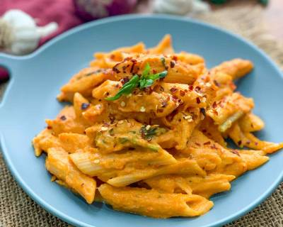 Pasta in Roasted Carrot & Red Pepper Sauce