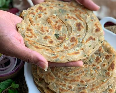Pudina Lehsun Laccha Paratha Recipe - Mint Garlic Layered Paratha