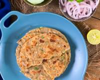 Sindhi Koki Recipe-Masala Roti With Onions And Green Chillies
