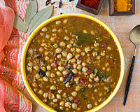 Dhaba Style Chana Masala From Deserts of Jaisalmer