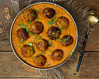Malai Kofta Curry Recipe - Creamy and Healthy Paneer Aloo Kofta Curry