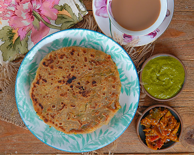 Aloo Paratha Recipe - Healthy North Indian Breakfast