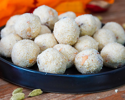 Rava Ladoo Recipe | Sooji Laddu Recipe