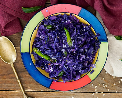 Muttaikose Poriyal Recipe -  Purple Cabbage Poriyal | Red Cabbage Sabzi