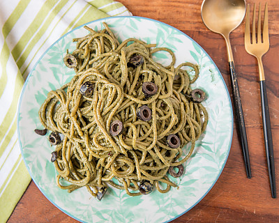 Spaghetti Pasta Recipe in Basil Pesto Sauce