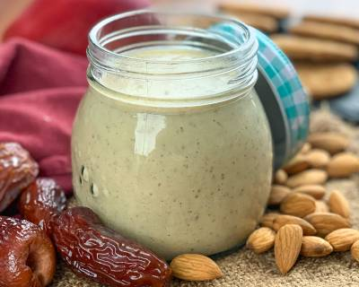 Oats Almond Apple Date Smoothie Recipe