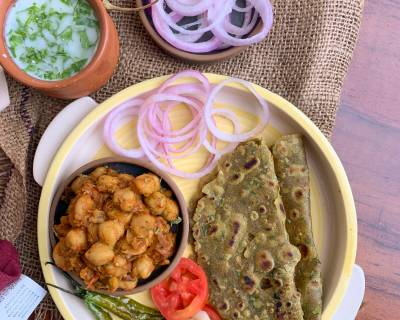 Surprise Your Family With This Delicious Meal Of Khatte Chole, Thepla And Chaas