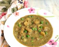 Potato And Peas Curry Recipe In Coconut Milk Gravy