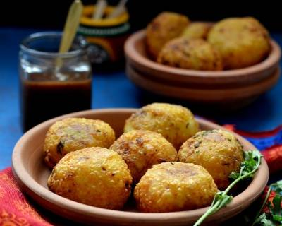 Aloo & Nariyal Ki Kachori Recipe (Pan Fried Farali Aloo Vada)