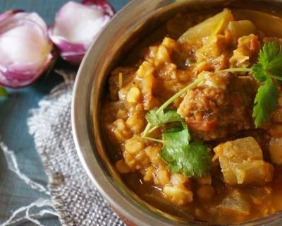 Dal Ghiya with Punjabi Wadiyan Recipe - Lentils with Bottle Gourd & Sundried Lentil Dumplings
