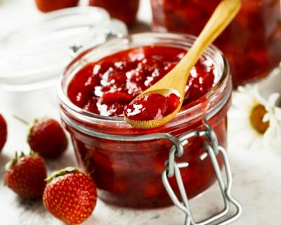 Fresh Strawberry Jam Recipe (Strawberry Preserve)