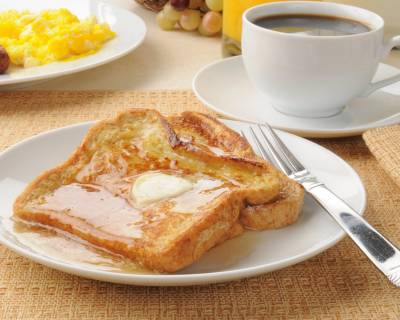 French Toast with Honey Spread and Scrambled Eggs Recipe